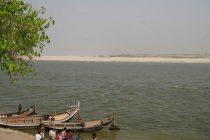 Encuentran 102 cadáveres en un río de la India
