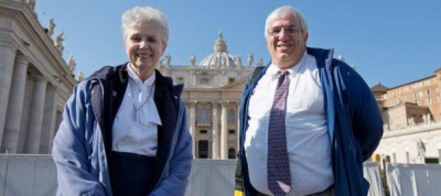 Vaticano recibe grupo católico gay en público