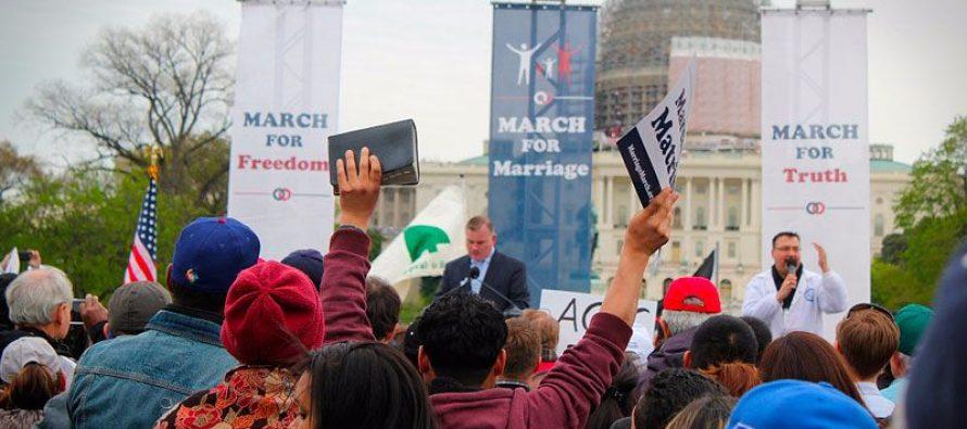 EE.UU.: PASTORES SE NIEGAN A OBEDECER LEY DEL MATRIMONIO GAY