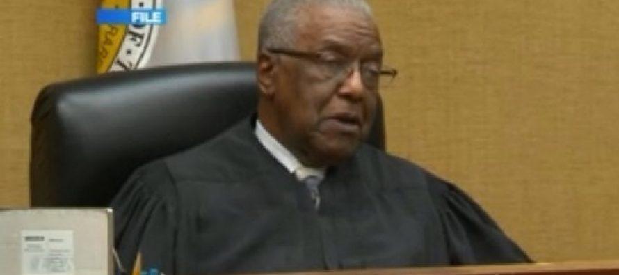 Juez se niega a realizar matrimonio gay debido a su fe cristiana
