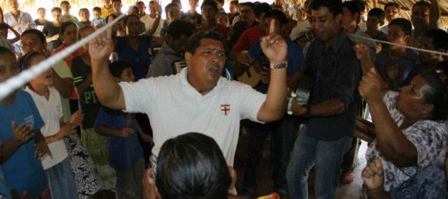 Secta fanática espera el regreso de Jesús encerrados en un pueblo