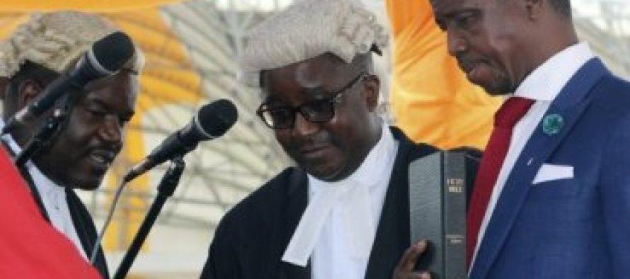 Presidente de Zambia es criticado por dedicar su país a Dios