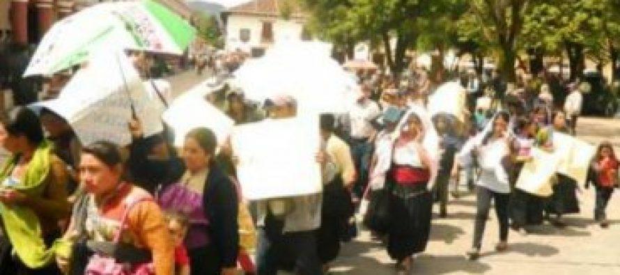 Expulsan familias evangélicas mexicanas de su comunidad porque no son católicos