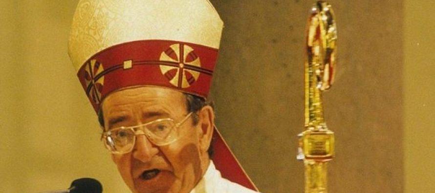 """Ex-Obispo Católico """"Ronald Mulkearns"""" dice que no sabía que la """"Pederastia"""" fuera un delito"""
