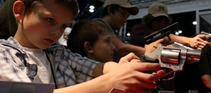 Como en el viejo Oeste: Niños de cualquier edad podrán usar armas de fuego en Iowa EE.UU.