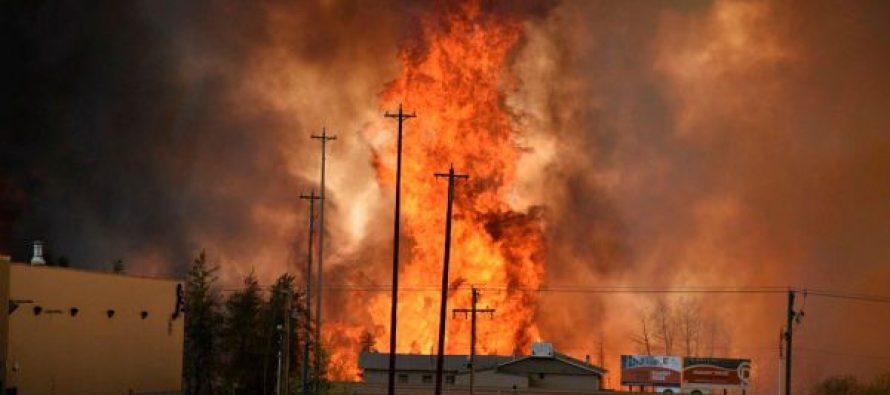 Incendio infernal en Canadá consume mil 600 viviendas (+fotos)