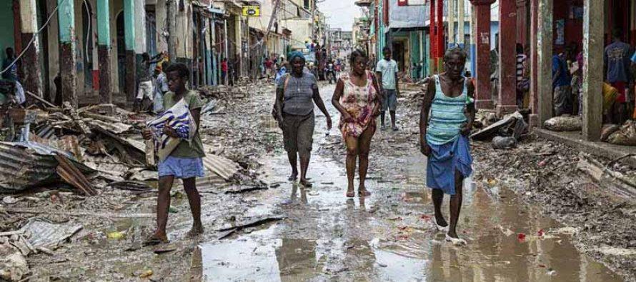 El huracán Matthew mata aproximadamente 877 haitianos y deja desamparados a otros 350.000