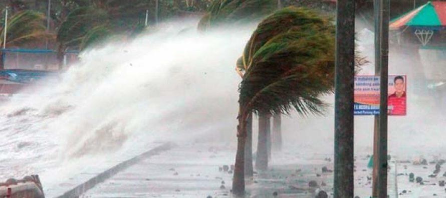 El tifón Nock-Ten colapsa el transporte en Filipinas