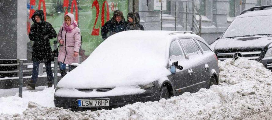 Una ola de frío congela Europa con temperaturas de hasta 40 grados bajo cero y decenas de muertos