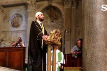 EL CLERO CRISTIANO DA LA BIENVENIDA AL ISLAM EN LA IGLESIA, Y DESPUÉS SE DOBLEGA ANTE ÉL