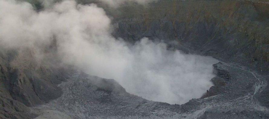 Costa Rica sigue en alerta por las erupciones del volcán Poás