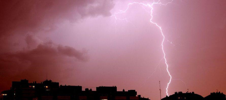 Gran tormenta eléctrica en la India deja más de 100 fallecidos en un solo día