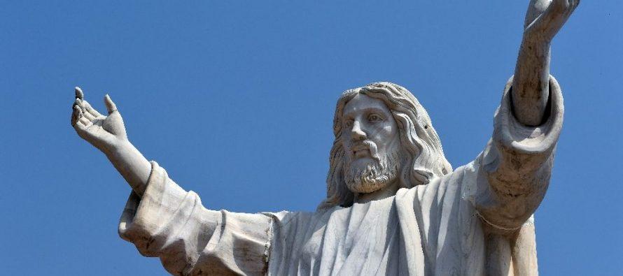 Activistas aseguran que estatuas de Jesús representa una forma de racismo y proponen derribaras