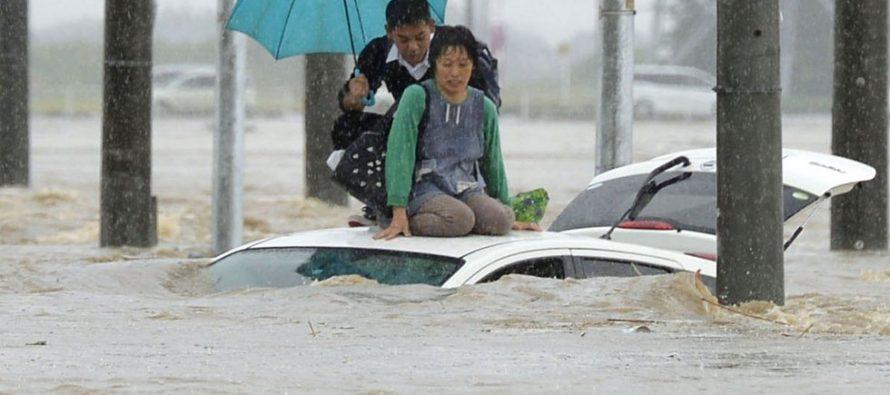 Japón registra fuertes inundaciones en las últimas 24 horas dejando muertos y desaparecidos