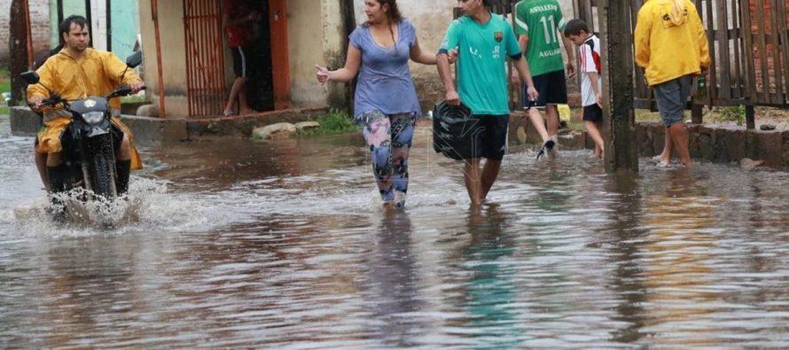 Un millón más de personas afectadas por las inundaciones en Bihar, cuando anuncian fuertes lluvias en los distritos del norte (Videos)