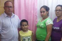Cuba libera a pastor que fue encarcelado por educar a sus hijos en casa