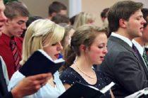 Cristianos protestan en California contra la prohibición de cantar en las iglesias, Queremos adorar