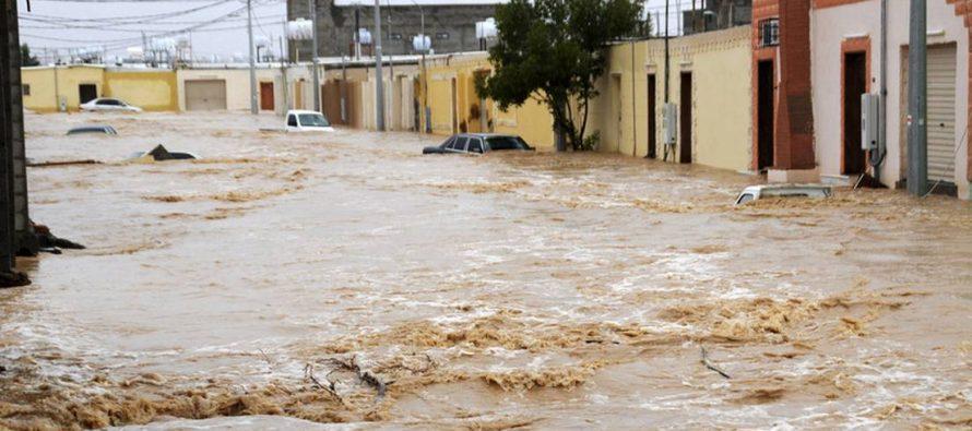 Fuertes lluvias generan severas inundaciones en Arabia Saudita (Videos)