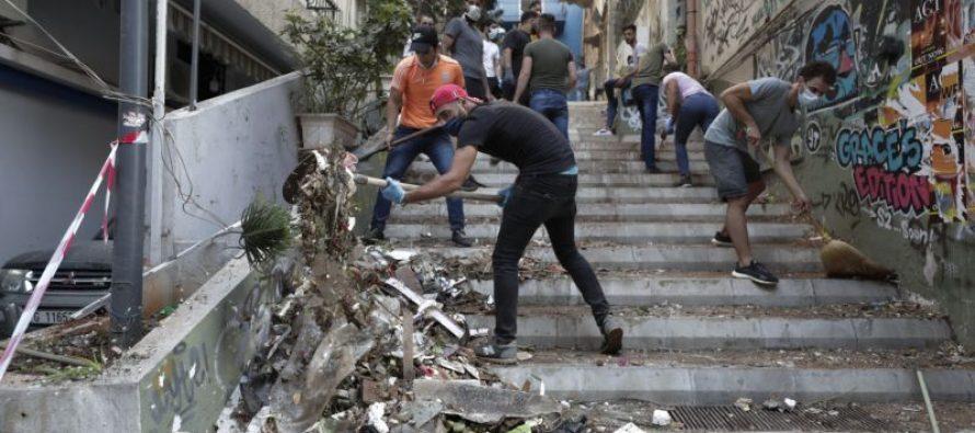 CONMOVEDOR: Habitantes del Líbano salen a limpiar las calles y a dar refugio a los afectados por la explosión