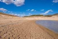 Francia impone restricciones de agua por la peor sequía en décadas